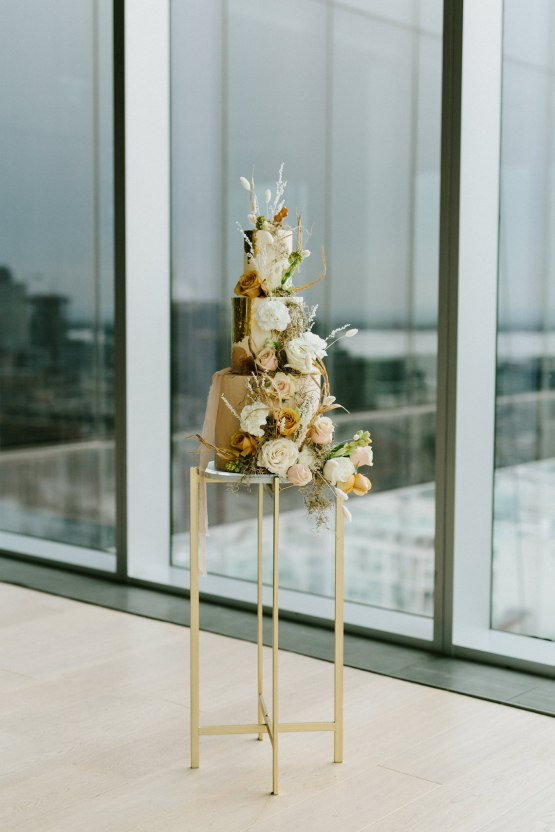 Chic Fall Loft Wedding Inspiration from Toronto – Shannon Robbins Photography – June Bloom Events 31