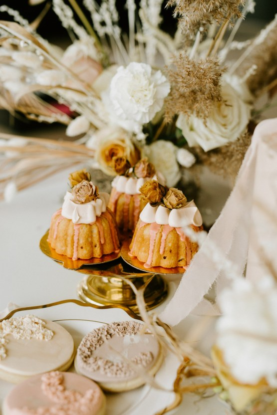 Chic Fall Loft Wedding Inspiration from Toronto – Shannon Robbins Photography – June Bloom Events 37