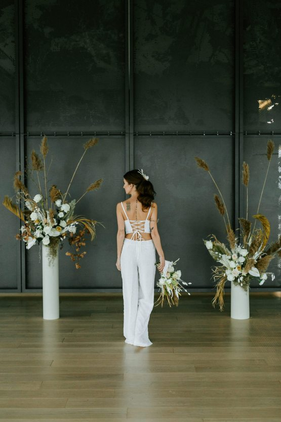 Chic Fall Loft Wedding Inspiration from Toronto – Shannon Robbins Photography – June Bloom Events 45