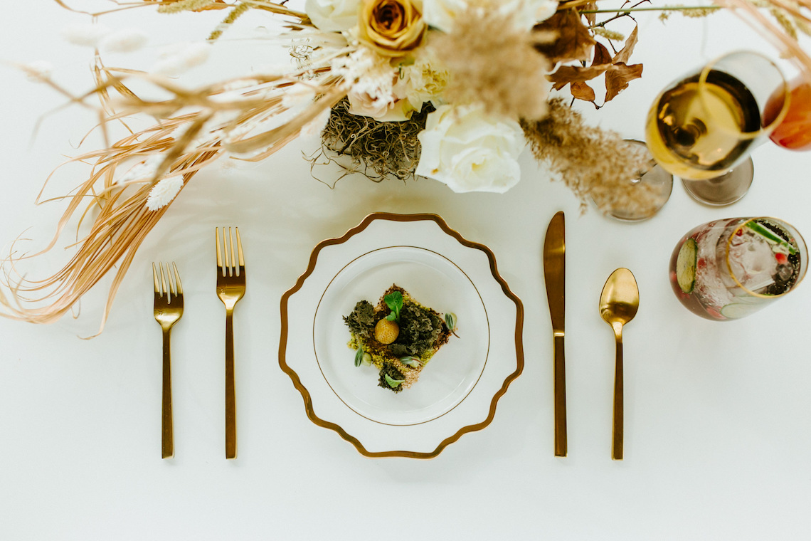 Chic Fall Loft Wedding Inspiration from Toronto – Shannon Robbins Photography – June Bloom Events 5