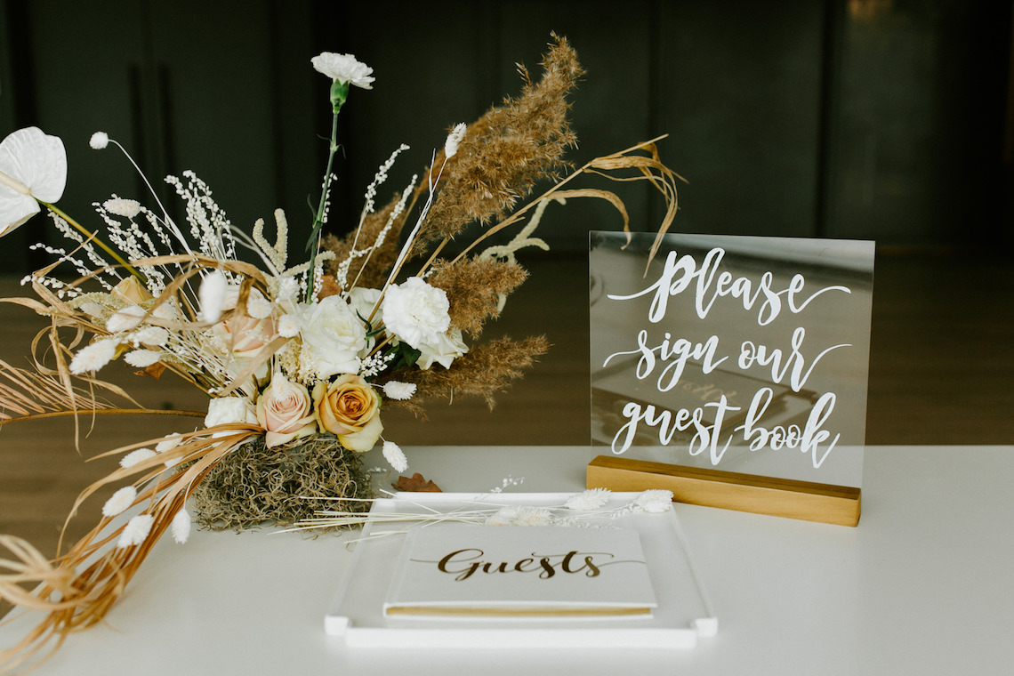 Chic Fall Loft Wedding Inspiration from Toronto – Shannon Robbins Photography – June Bloom Events 8