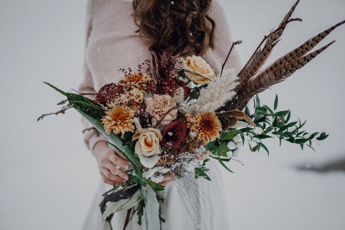 Wild Winter Wedding Inspiration from Iceland – Snowy Scenery and a Bridal Sweater – Melanie Munoz Photography 2