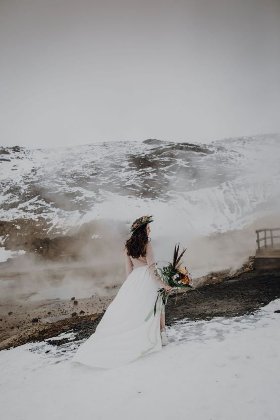 Wild Winter Wedding Inspiration from Iceland – Snowy Scenery and a Bridal Sweater – Melanie Munoz Photography 25