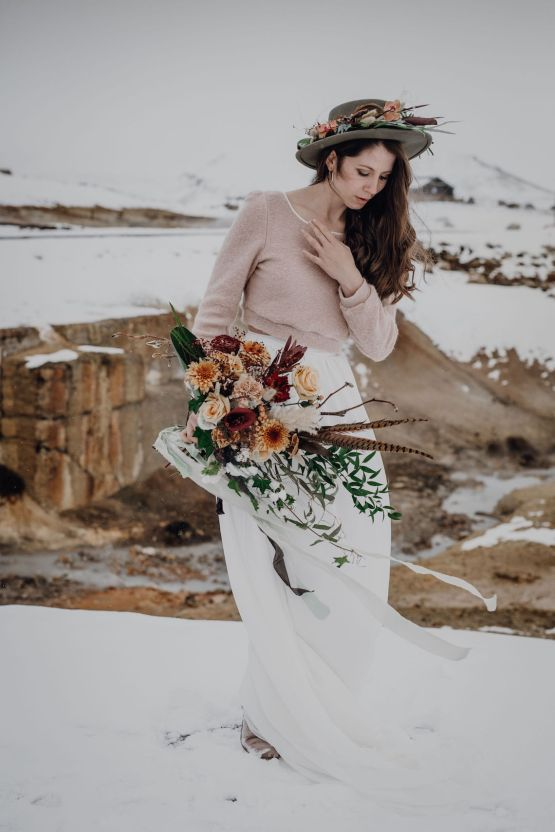 Wild Winter Wedding Inspiration from Iceland – Snowy Scenery and a Bridal Sweater – Melanie Munoz Photography 26