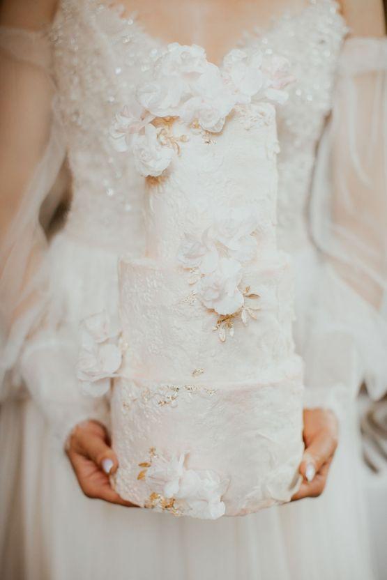 Ethereal Secret Garden Wedding Inspiration – Patrycja Wojtkowiak – Pure Love Weddings 45