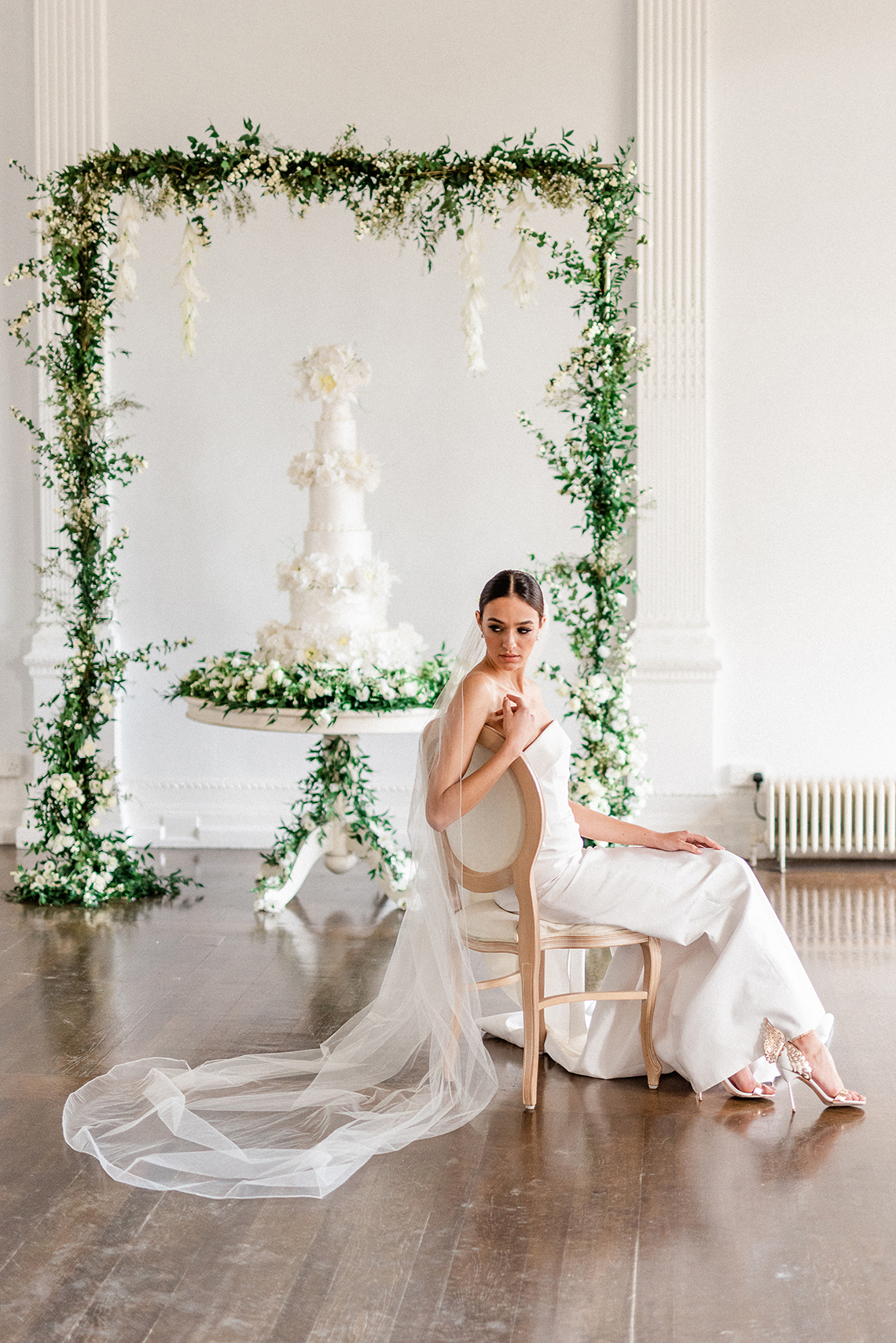 Luxurious and Opulent Wedding Inspiration Featuring Six Stunning Dresses – Gianluca and Mary Adovasio – Tigerlily Weddings 30