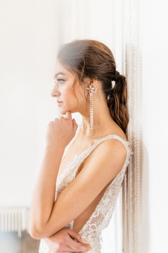 Luxurious and Opulent Wedding Inspiration Featuring Six Stunning Dresses – Gianluca and Mary Adovasio – Tigerlily Weddings 48