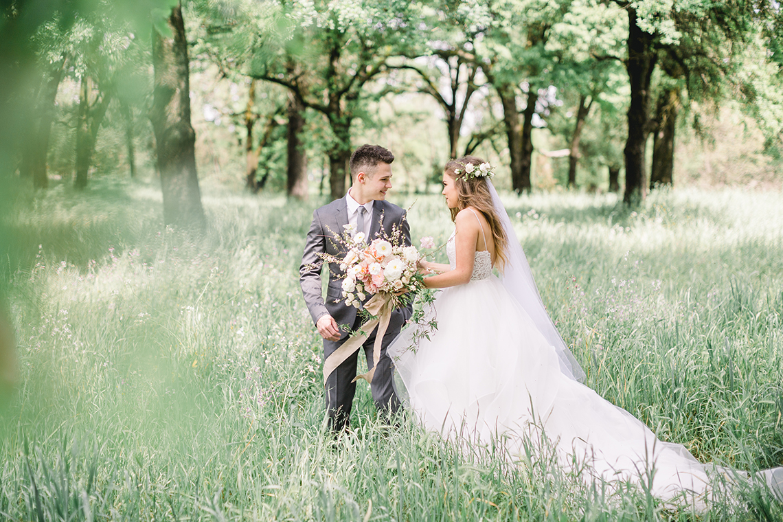 Whimsical Floral-Filled Woodland Wedding – Walnut and Main – Irina Turkova Photography 18