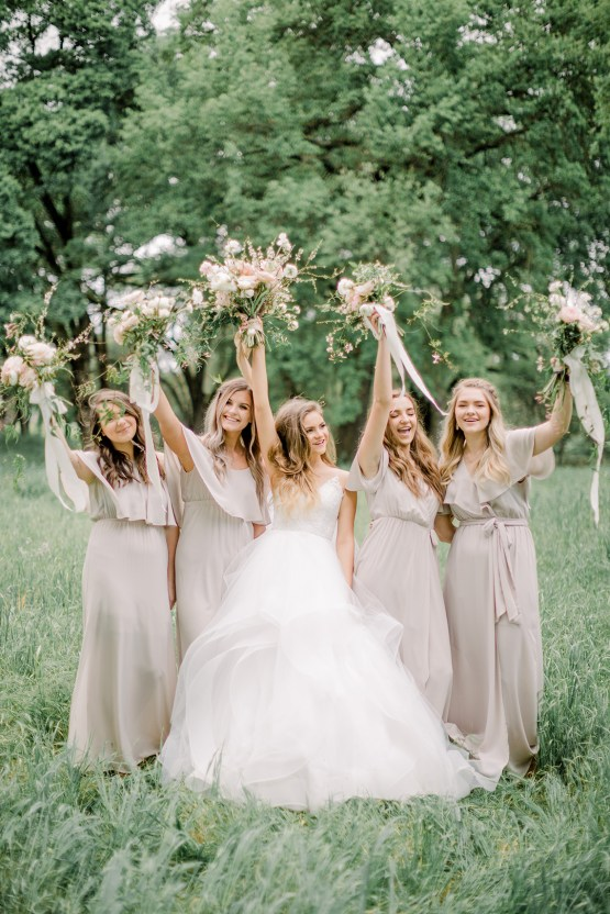 Whimsical Floral-Filled Woodland Wedding – Walnut and Main – Irina Turkova Photography 40
