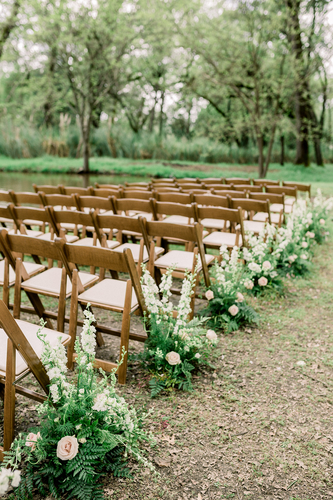 Whimsical Floral-Filled Woodland Wedding – Walnut and Main – Irina Turkova Photography 48