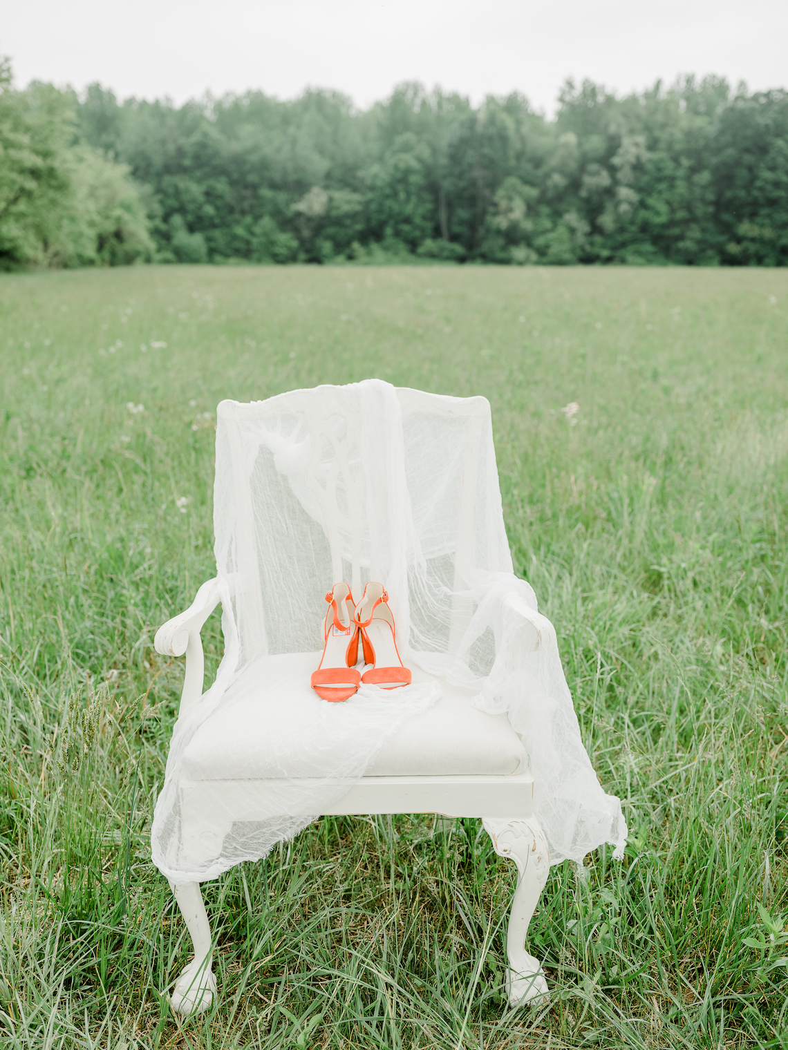 Whimsical Pantone Living Coral Colorful Meadow Wedding Inspiration – Kira Nicole Photography 12
