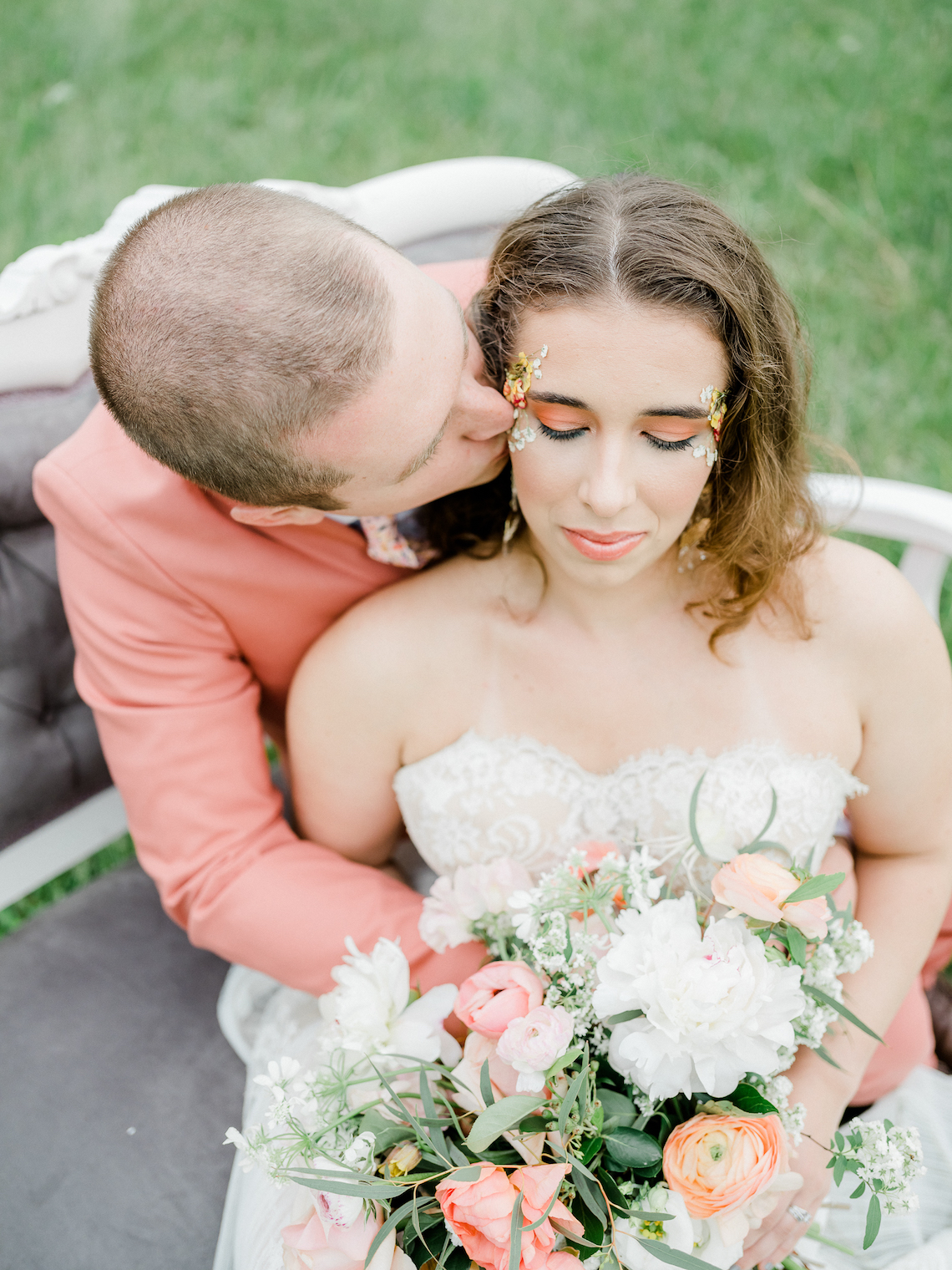 Whimsical Pantone Living Coral Colorful Meadow Wedding Inspiration – Kira Nicole Photography 39