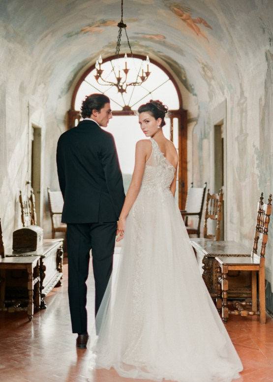 Breathtaking Tuscan Fine Art Wedding Inspiration – Olga Makarova 16