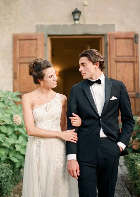 Breathtaking Tuscan Fine Art Wedding Inspiration – Olga Makarova 30