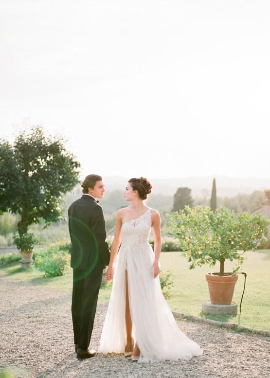 Breathtaking Tuscan Fine Art Wedding Inspiration – Olga Makarova 44