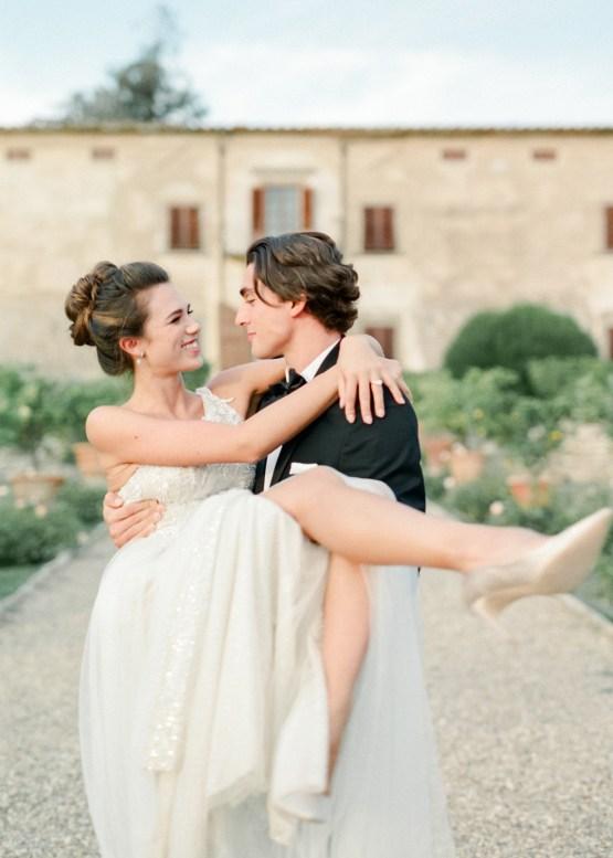 Breathtaking Tuscan Fine Art Wedding Inspiration – Olga Makarova 47