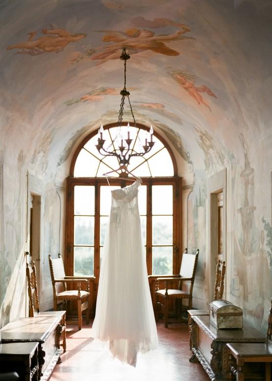 Breathtaking Tuscan Fine Art Wedding Inspiration – Olga Makarova 5