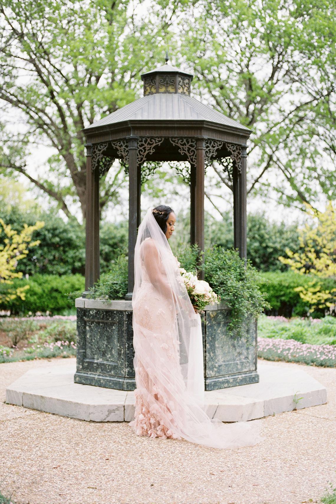 Pretty Texas Garden Wedding With A Blush Pink Wedding Dress – Deven Ashley 13