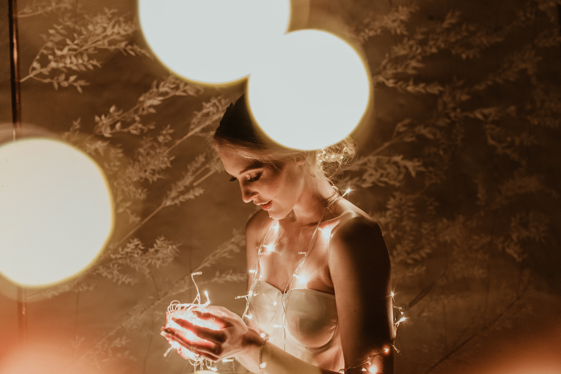 Candlelit Wedding Inspiration With Pretty Fairy Lights – Lauren Pretorius Photography 5