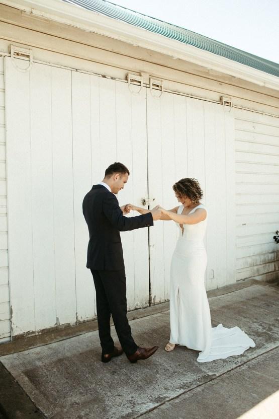 Joyous Oregon Berry Farm Wedding – Phil Chester – Peachy Keen Coordination – Hoffman Farm Store 3