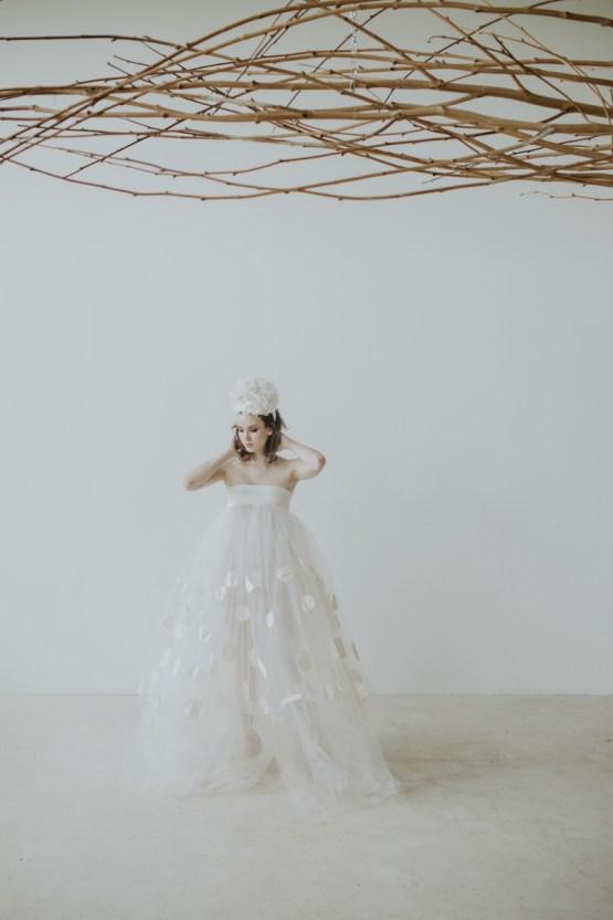 White and Taupe Minimalistic Wedding Inspiration – Vanessa Illi 10