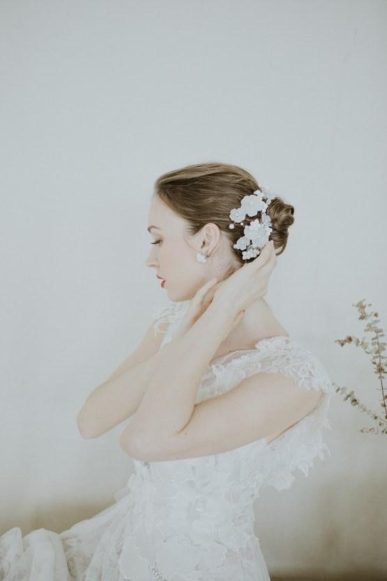 White and Taupe Minimalistic Wedding Inspiration – Vanessa Illi 33
