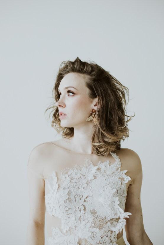 White and Taupe Minimalistic Wedding Inspiration – Vanessa Illi 43