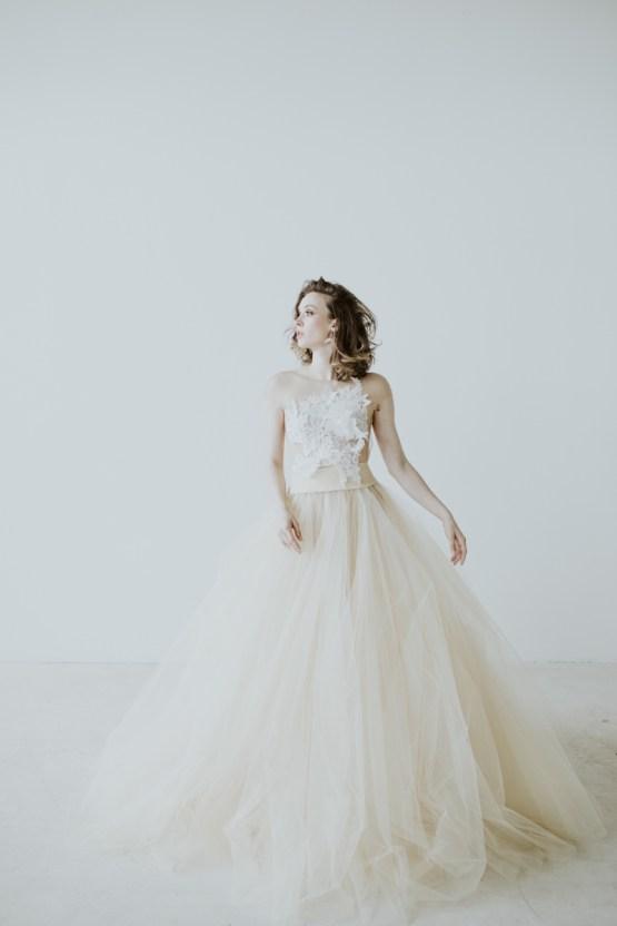 White and Taupe Minimalistic Wedding Inspiration – Vanessa Illi 44