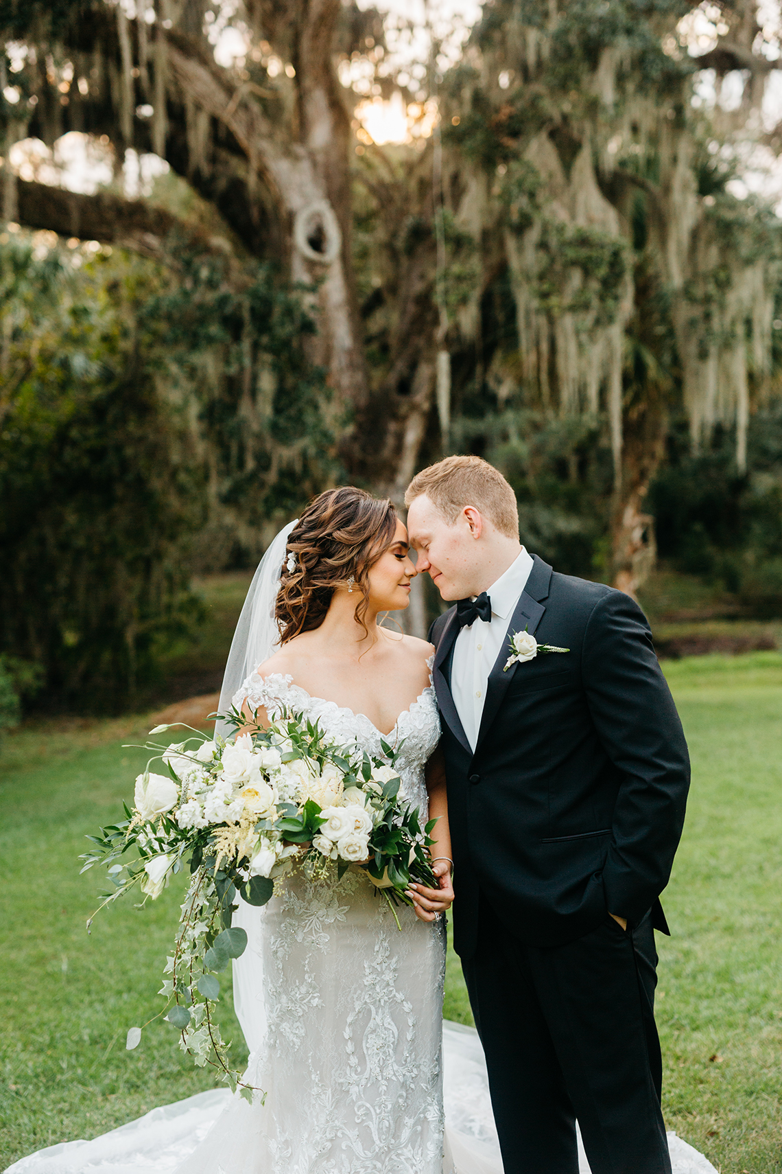 Magical Intimate Southern Wedding Under The Oak Trees – Pure Luxe Bride – Lydia Ruth Photography 48