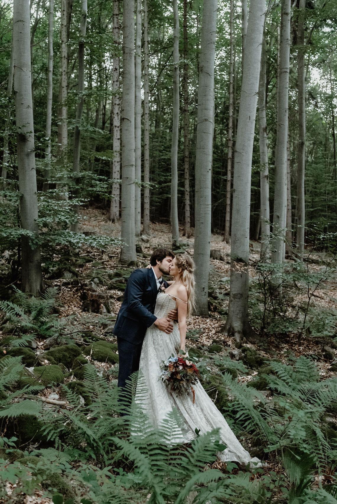 Romantic Woodsy DIY Wedding in South Bohemia Czech Republic – Carols Darkroom 24