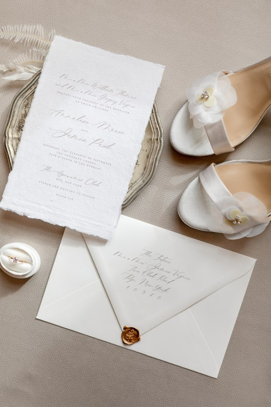 Modern and White Wedding Inspiration – Mandy Forlenza Sticos – Siobhan Stanton Photography – Amsale 1