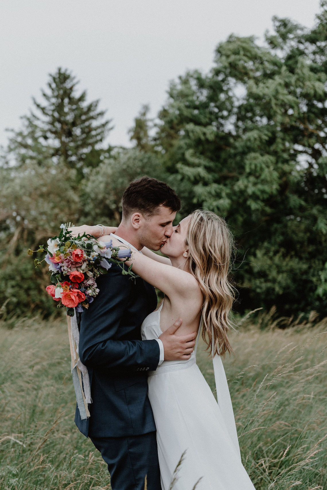Pretty Meadow Wedding in the Czech Republic – Carols Darkroom 38