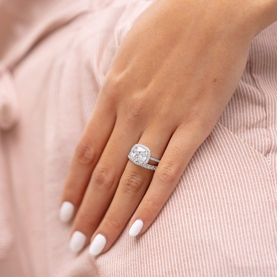 Reasons to spend less on your engagement ring – Modern Gents Trading Co – Bridal Musings 5