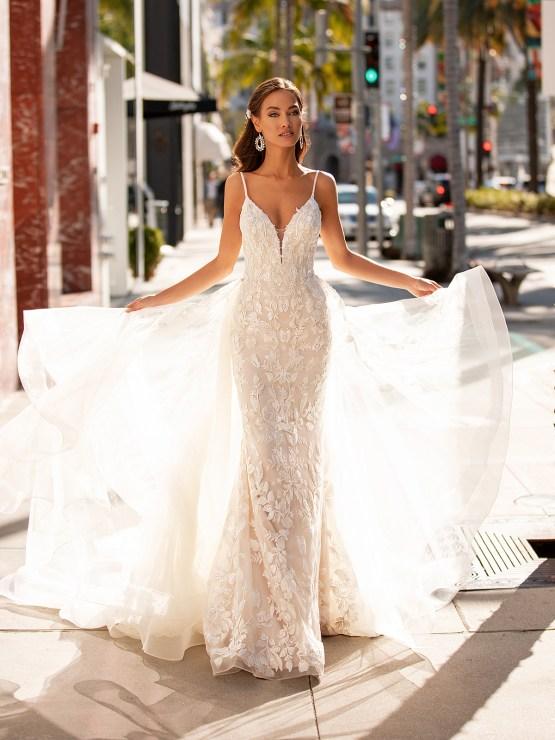 10 Gorgeous Wedding Dresses that Flatter Your Curves – Moonlight Bridal – Val Stefani – Bridal Musings – H1452_A