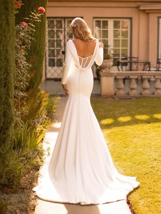 10 Gorgeous Wedding Dresses that Flatter Your Curves – Moonlight Bridal – Val Stefani – Bridal Musings – J6791_B