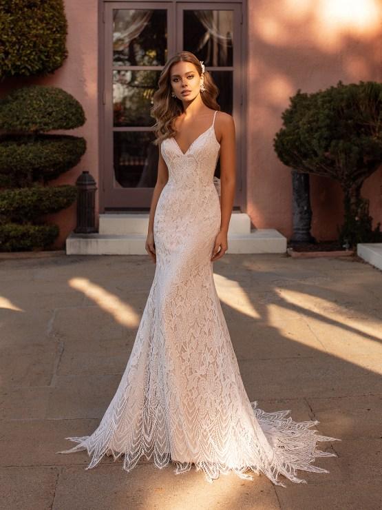 10 Gorgeous Wedding Dresses that Flatter Your Curves – Moonlight Bridal – Val Stefani – Bridal Musings – S2168_A
