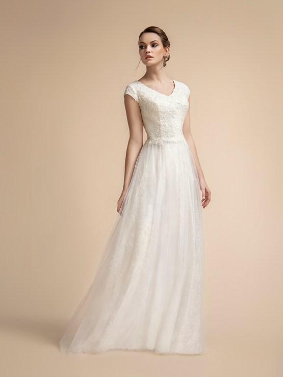 10 Gorgeous Lace Wedding Dresses – Val Stefani – Moonlight Bridal – Bridal Musings 40