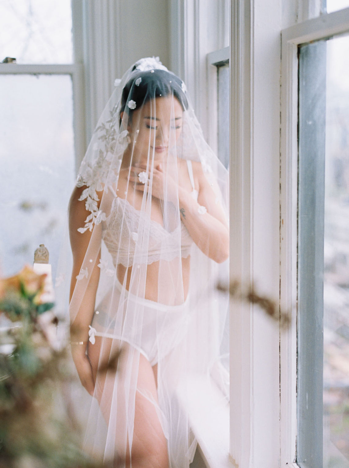 Dreamy and Ethereal Ballerina Bridal Boudoir Inspiration – Samin Abarqoi 16