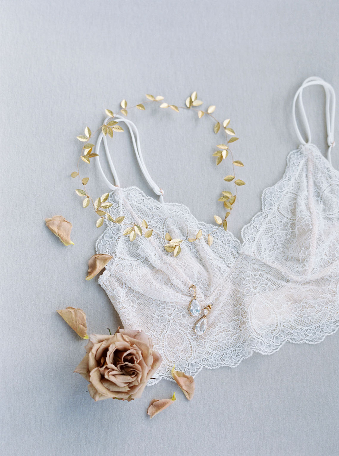 Dreamy and Ethereal Ballerina Bridal Boudoir Inspiration – Samin Abarqoi 27