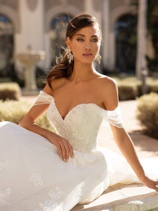 Lace Wedding Dresses in Every Silhouette – Moonlight Bridal – Val Stefani – H1447_C