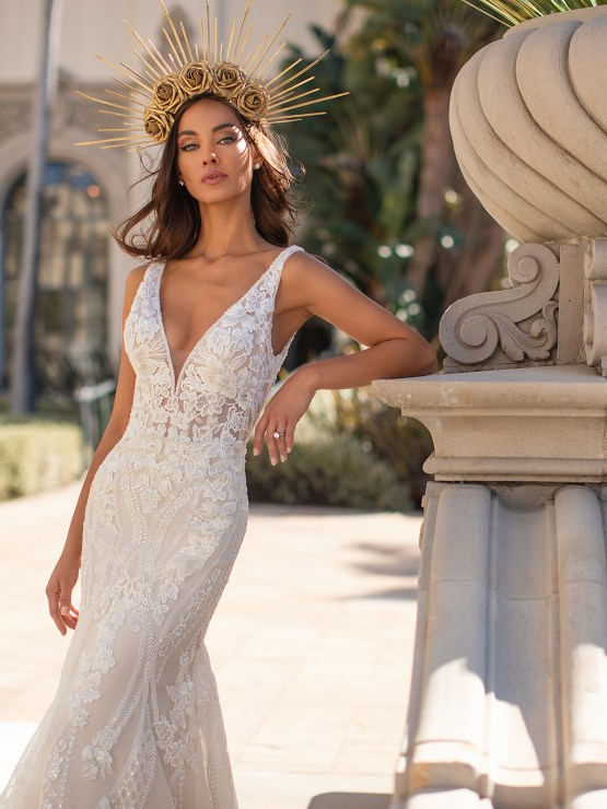 Lace Wedding Dresses in Every Silhouette – Moonlight Bridal – Val Stefani – H1448_C
