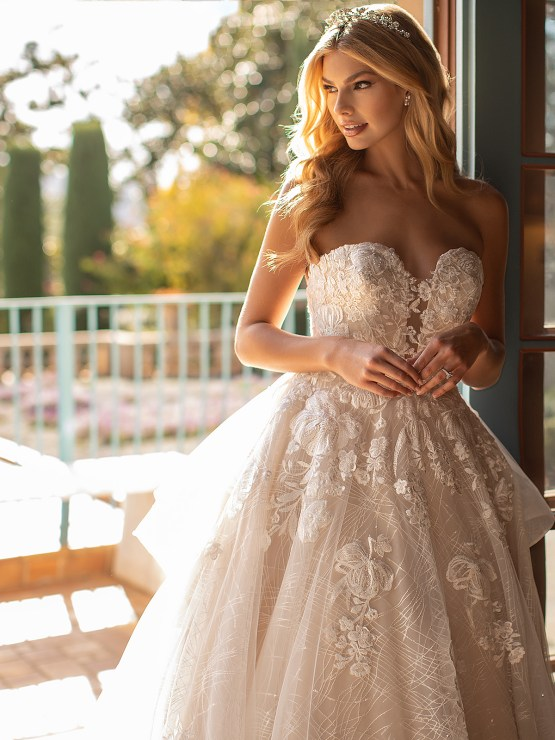 Lace Wedding Dresses in Every Silhouette – Moonlight Bridal – Val Stefani – J6797_C