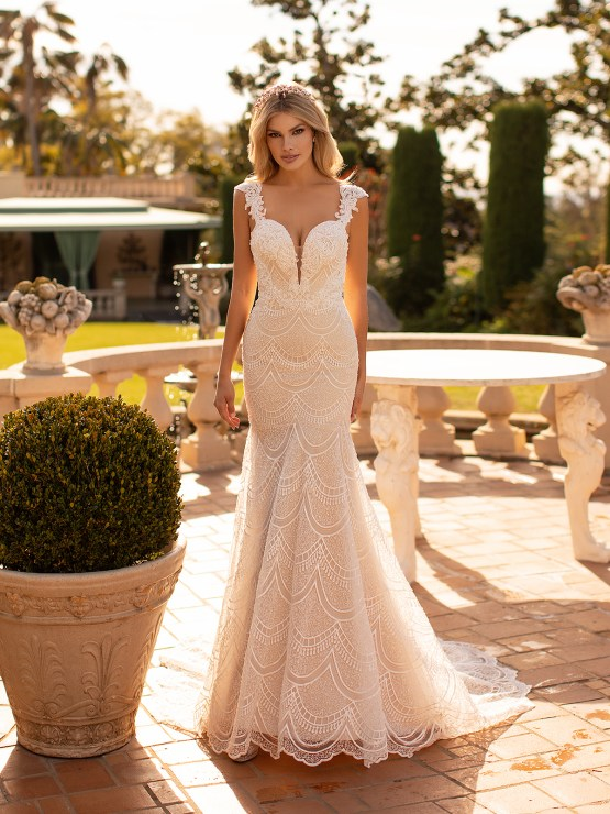 Lace Wedding Dresses in Every Silhouette – Moonlight Bridal – Val Stefani – J6798_A