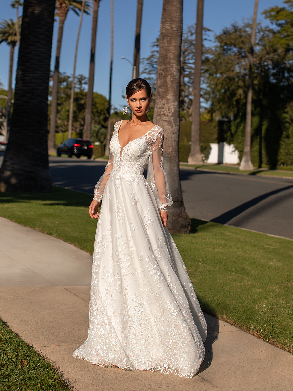 Lace Wedding Dresses in Every Silhouette – Moonlight Bridal – Val Stefani – S2161_A