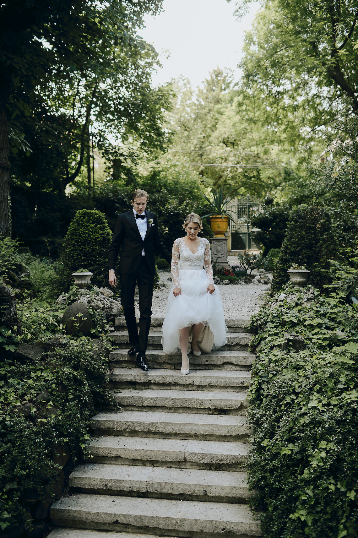 Practically Royal Classic Budapest Cathedral Wedding – Julian Gyula Zacsfalvi 17