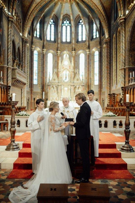 Practically Royal Classic Budapest Cathedral Wedding – Julian Gyula Zacsfalvi 21
