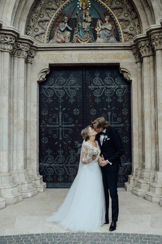 Practically Royal Classic Budapest Cathedral Wedding – Julian Gyula Zacsfalvi 22