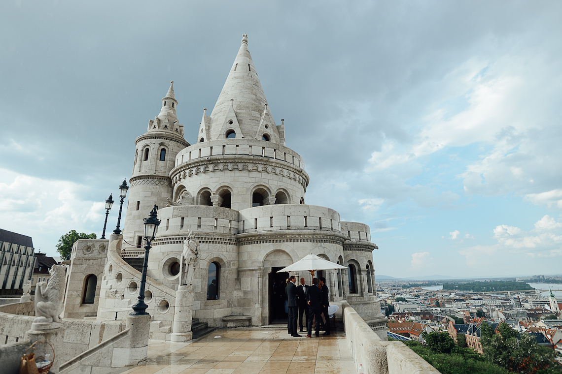 Practically Royal Classic Budapest Cathedral Wedding – Julian Gyula Zacsfalvi 7