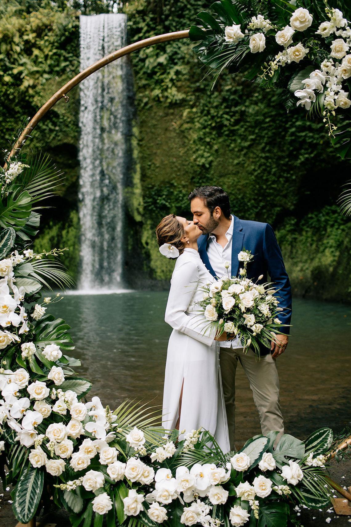 Breathtaking Bali Waterfall Elopement – Vladimir Borodenok 21