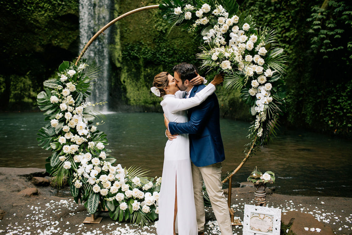 Breathtaking Bali Waterfall Elopement – Vladimir Borodenok 3